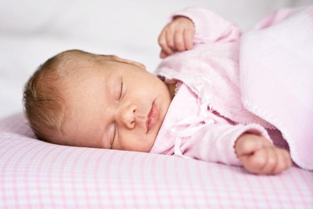 воспитание и развитие ребенка, мама и малыш, во сколько месяцев ребенок