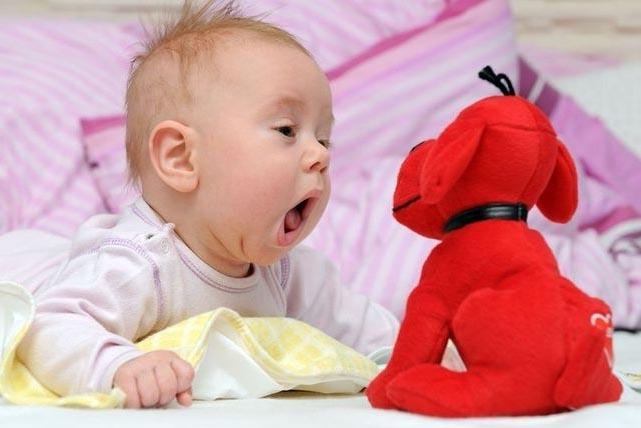 воспитание и развитие ребенка, познавательное для детей, мама и малыш, во сколько месяцев ребенок
