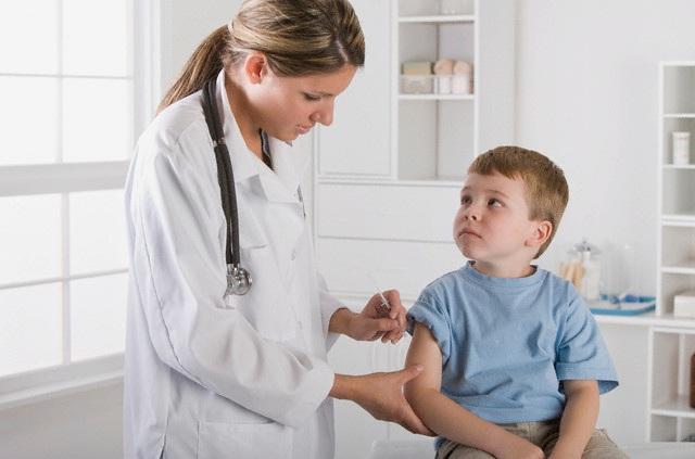 после прививки, дети грудного возраста, лечение температуры