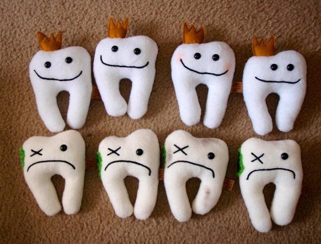 первые зубы, признаки прорезывания зубов, воспаленные десна, первый зубик