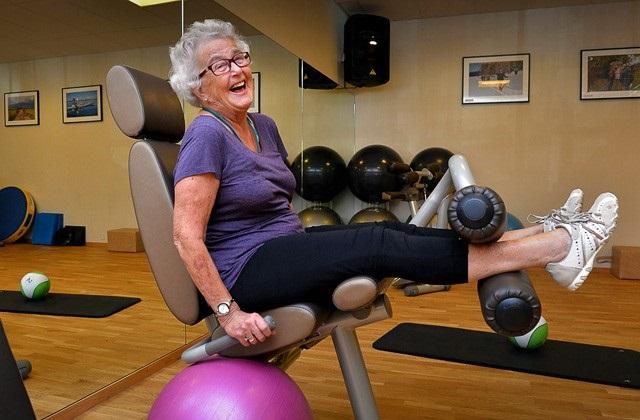 Как правильно выбрать тренажер, советы на каждый день, тренированное тело, как правильно заниматься на тренажерах, беговая дорожка, силовые тренажеры