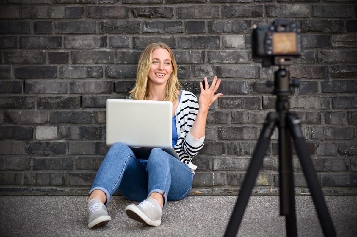 блогер, видео, хобби, заработок, интернет, властитель, деньги, блогеры, YouTube, виртуальный дневник, солидный доход, реклама